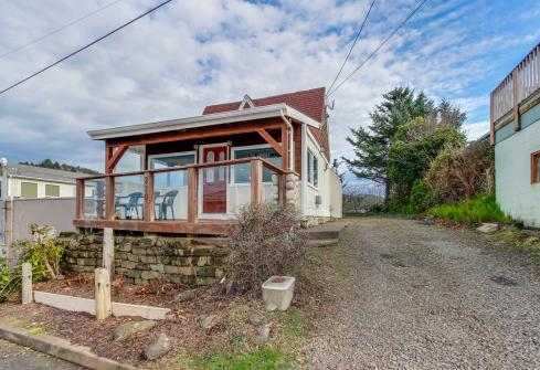 Depoe Bay Delight -  Vacation Rental - Photo 1