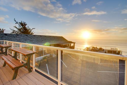 Oceanside Inn - All Units -  Vacation Rental - Photo 1