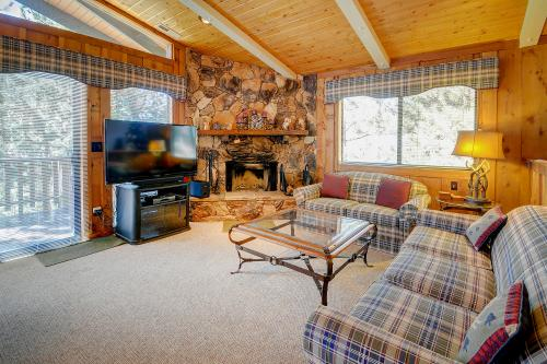 Paw Print Cabin -  Vacation Rental - Photo 1