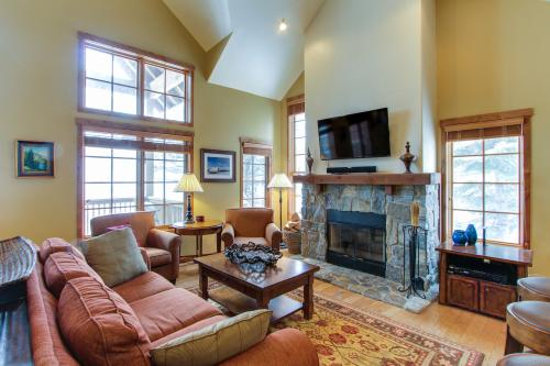 Tamarack Golden Townhouse Ski In/Out - Tamarack, ID Vacation Rental
