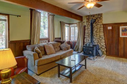 Hobbit House - Idyllwild, CA Vacation Rental