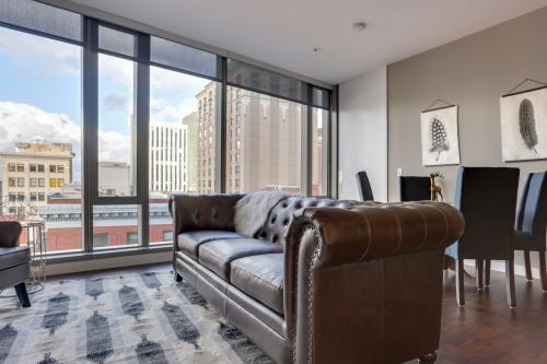 Park Avenue West 603: Roosevelt Retreat -  Vacation Rental - Photo 1