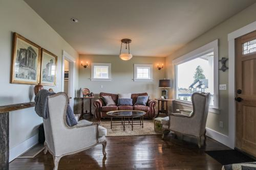 Queen Anne Delight -  Vacation Rental - Photo 1