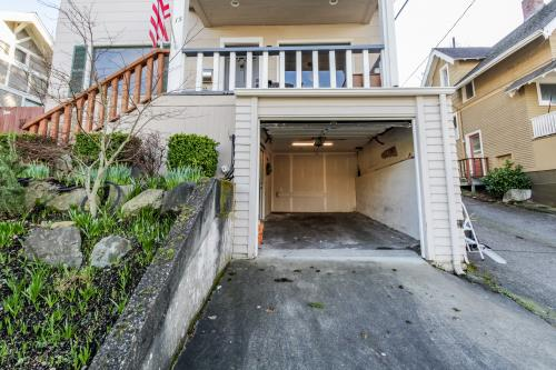 Queen Anne Seattle Condo Rentals House Rentals Vacasa