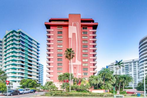 The Alexander: Periwinkle - Miami Beach, FL Vacation Rental