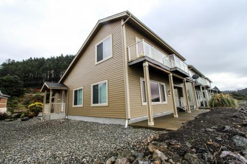 Paradise Beach House -  Vacation Rental - Photo 1