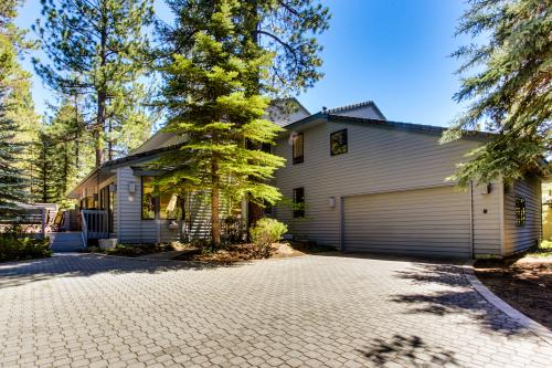 Luxury Executive Home - Sunriver Vacation Rental