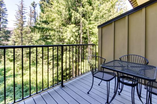 Collins Lake #104 - Government Camp, OR Vacation Rental