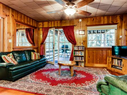 The Cedars Cabin - Welches, OR Vacation Rental