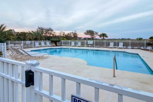St. Simons Escape - St. Simons Island, GA Vacation Rental