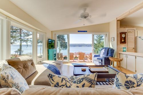 Holmes View Paradise - Freeland, WA Vacation Rental