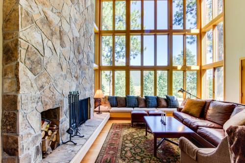 Black Butte Ranch Hilltop Views & WiFi - Black Butte Ranch Vacation Rental
