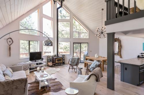 Mountain Modern Escape - Truckee, CA Vacation Rental