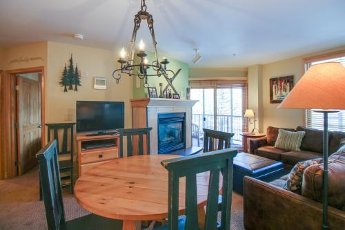 Lee's Luxe Silver Mill Sanctuary -  Vacation Rental - Photo 1