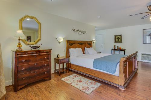 The Victorian Mansion: Suite Sophia -  Vacation Rental - Photo 1