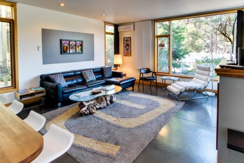 Modern & Eco-friendly on Bend's Westside - Bend Vacation Rental
