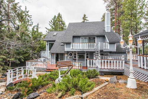 Mountaintop Magic -  Vacation Rental - Photo 1