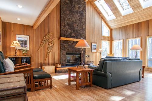 Black Butte Ranch: NW Contemporary - Black Butte Ranch, OR Vacation Rental