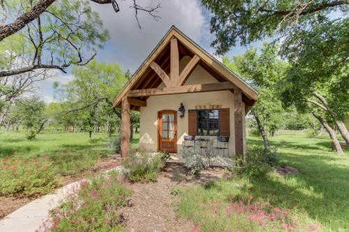 Beau ... Messina Hof Hill Country: Messina Cabin   Vacation Rental   Photo ...