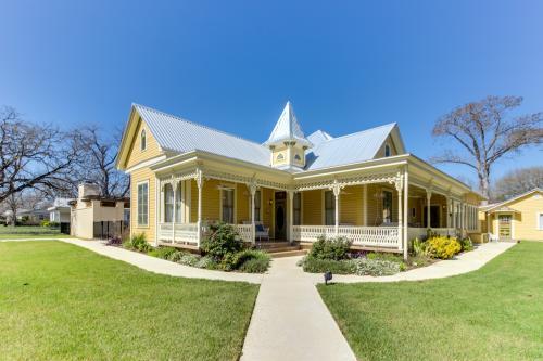 The Victorian Mansion: Suite Savannah -  Vacation Rental - Photo 1
