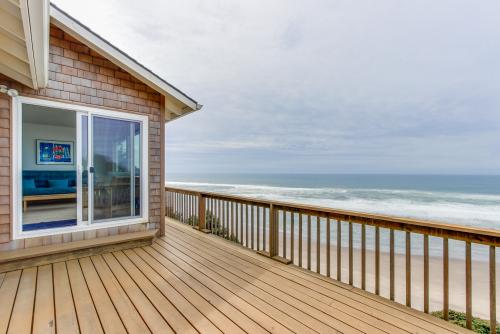 SeaView at Winema Beach - Cloverdale, OR Vacation Rental