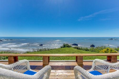 At Home By The Sea - Brookings, OR Vacation Rental