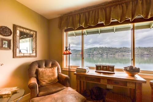 Lazy on the Lakefront (F205) - Harrison, ID Vacation Rental