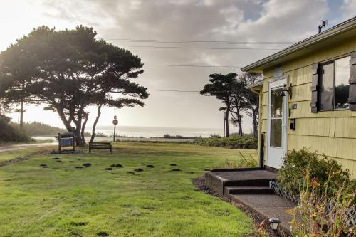 Seaway Historic Beach House - Waldport, OR Vacation Rental