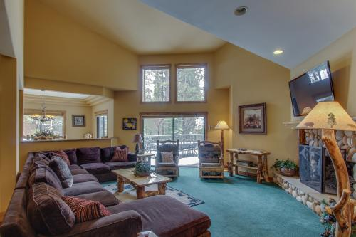 Evergreen Manor -  Vacation Rental - Photo 1