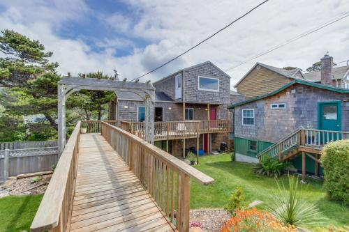 Buried Treasure - Neskowin, OR Vacation Rental