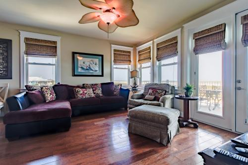 West Side Story -  Vacation Rental - Photo 1