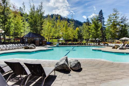 Resort at Squaw Creek 555 Fireplace Suite - Squaw Valley Vacation Rental