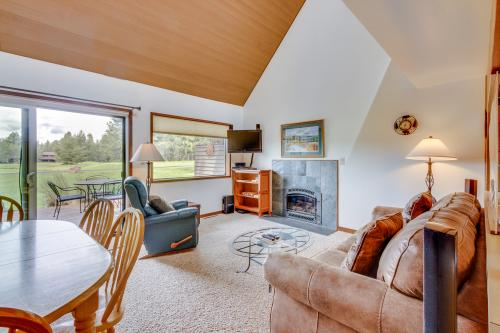 Mt View 33 | Discover Sunriver -  Vacation Rental - Photo 1