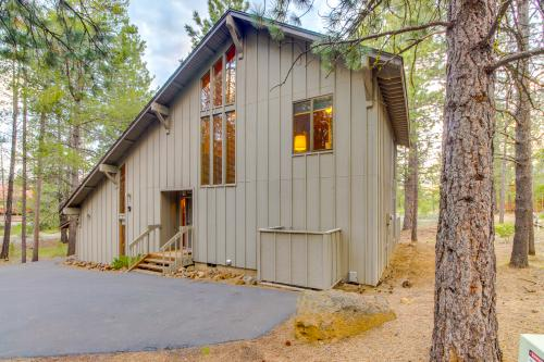 Fox Lane 09 | Discover Sunriver - Sunriver, OR Vacation Rental