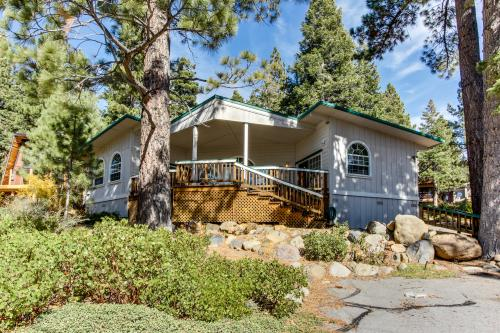 Observation Deck in Dollar Point with Filtered Lakeview - Tahoe City Vacation Rental