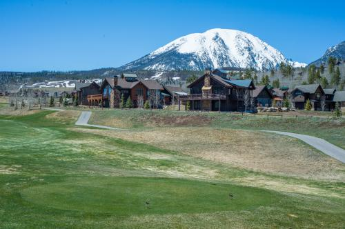 Grouse on the Green - Silverthorne, CO Vacation Rental