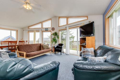 Anchor Away at Lincoln City -  Vacation Rental - Photo 1