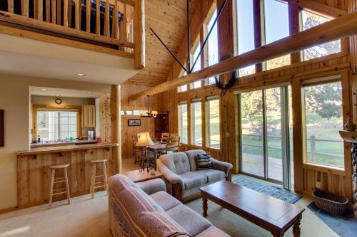 Eagle Crest Golf Course Cabin - Eagle Crest Vacation Rental
