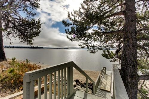 Barton Lakefront Legacy - Donnelly Vacation Rental