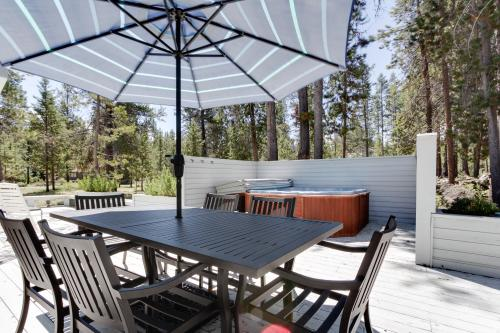 Redwood Lane 06 | Discover Sunriver -  Vacation Rental - Photo 1