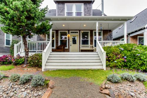 Ferron-Jones Beach House - Depoe Bay Vacation Rental