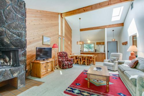Quelah Condo 4 | Discover Sunriver - Sunriver, OR Vacation Rental