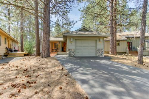 Coyote Lane 11 | Discover Sunriver -  Vacation Rental - Photo 1