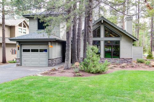 Big Leaf Lane 28 | Discover Sunriver - Sunriver, OR Vacation Rental