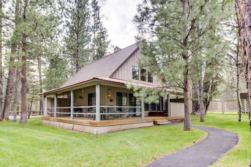 Circle 4 Ranch 31 | Discover Sunriver -  Vacation Rental - Photo 1