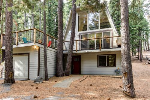 Chapel Lane with Gameroom - Tahoe City Vacation Rental