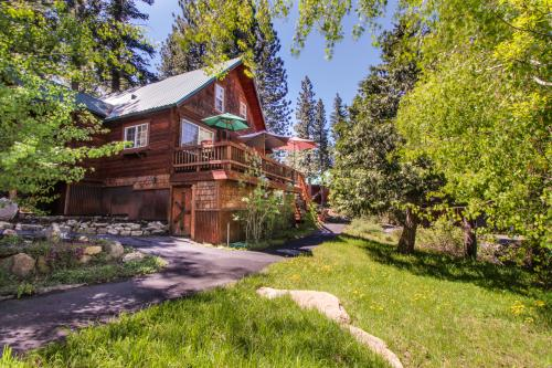 Cozy Truckee Getaway -  Vacation Rental - Photo 1