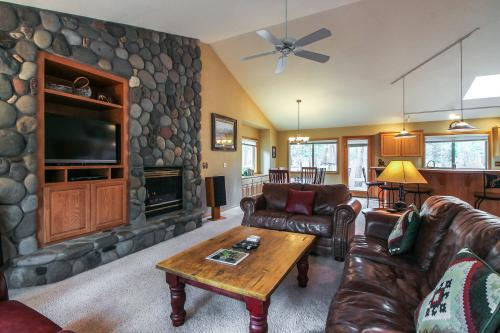 Kinglet Road 37 | Discover Sunriver - Sunriver, OR Vacation Rental