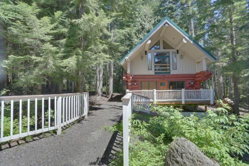 Little Bear Cabin - Government Camp, OR Vacation Rental