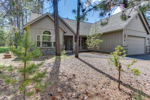 Catkin Lane 04 | Discover Sunriver - Sunriver, OR Vacation Rental